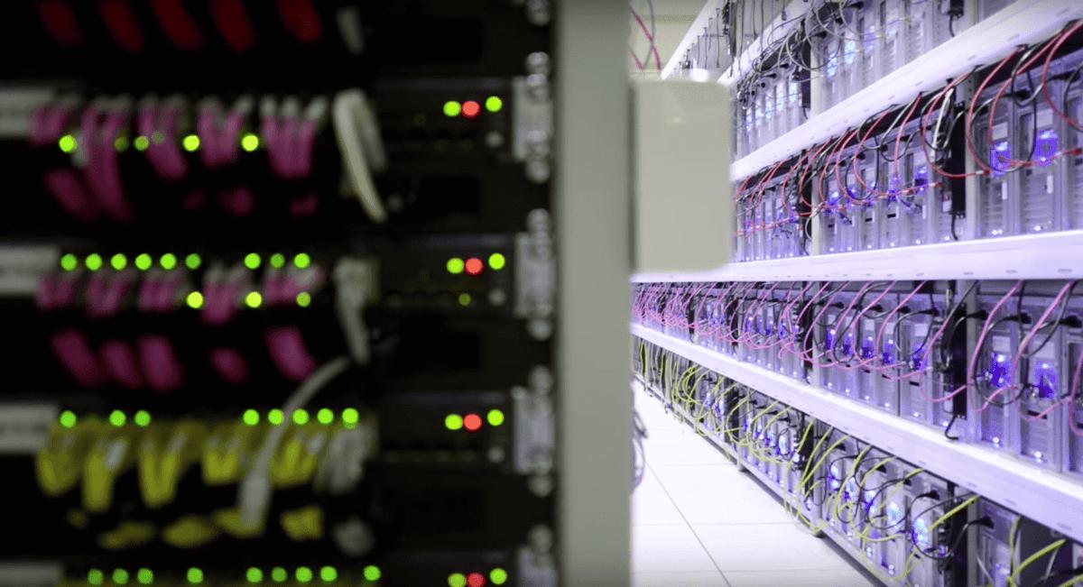 Datacenter Supporthost Racks