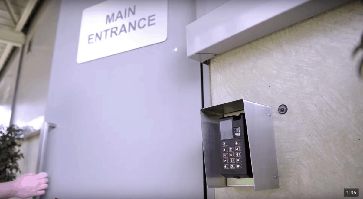 Datacenter Supporthost Entrance